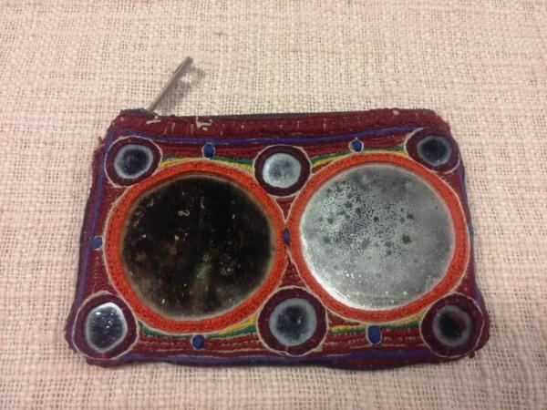 Mirrors pouch