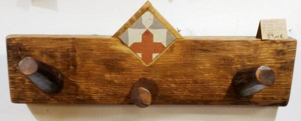 Oak wood and hidraulic tile hanger
